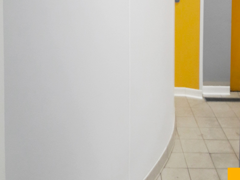 Rénovation murale avec placage pour murs arrondis